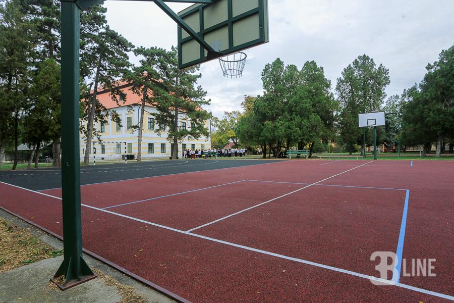 sportpalya-rekortan-gumiburkolat-futballpalya-kosarlabdapalya